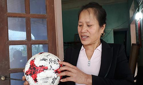 Gia đình thủ môn Tiến Dũng mổ lợn cổ vũ U23 Việt Nam
