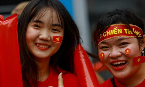 Người Sài Gòn xuống đường cổ vũ tuyển U23 Việt Nam