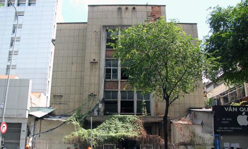 Ông Đoàn Ngọc Hải chủ trì cuộc bỏ phiếu chọn nhà thầu sửa chung cư cũ