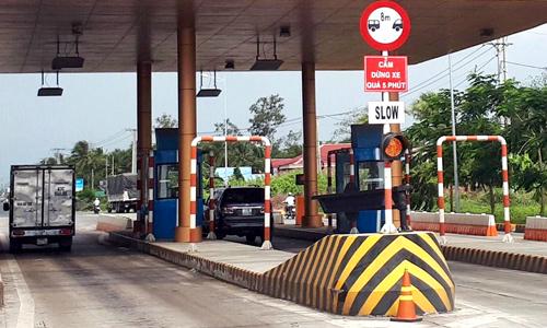 Các trạm BOT thông thoáng ngày đầu phạt dừng ôtô quá 5 phút