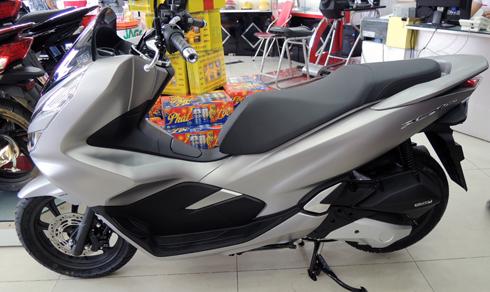 Honda PCX150 2018 bắt đầu bán ở Sài Gòn.