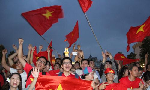 Phố đi bộ Nguyễn Huệ có 10 màn hình xem U23 Việt Nam đá chung kết