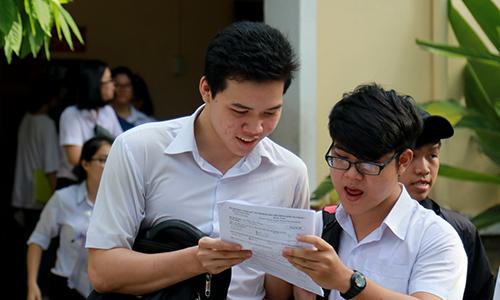 Giáo viên ở Khánh Hòa tiết lộ đề thi cho học sinh