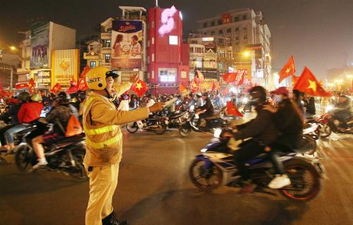Cả nghìn cảnh sát được huy động bảo vệ an ninh trước và sau trận chung kết giữa U23 Việt Nam vàU23 Uzbekistan.Ảnh: Ngọc Thành