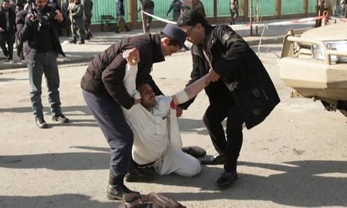 Taliban đánh bom tự sát ở thủ đô Afghanistan, ít nhất 95 người chết