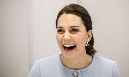 Công nương Kate tặng 20 cm tóc cho trẻ em mắc ung thư