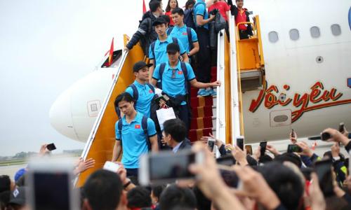 Bộ Văn hóa yêu cầu xác minh hình ảnh phản cảm trên chuyến bay chở U23 Việt Nam