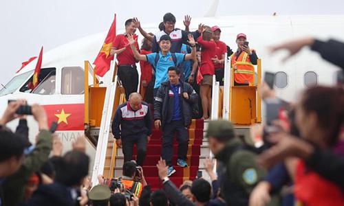 Cục Hàng không sẽ phạt Vietjet vì biểu diễn phản cảm trên máy bay