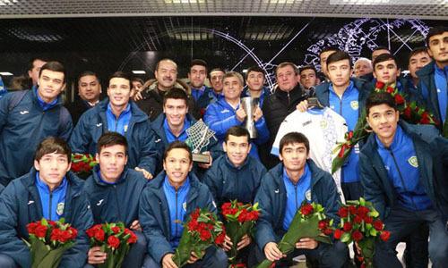 Mỗi cầu thủ U23 Uzbekistan được tổng thống tặng một chiếc xe ôtô
