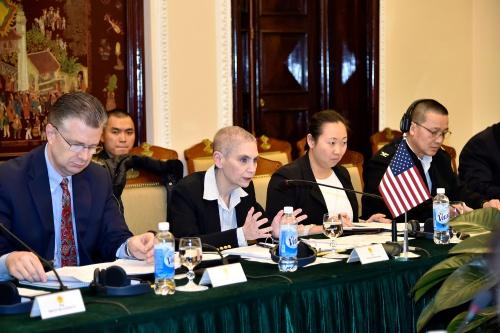 Bà Tina Kaidanow phát biểu tại đối thoại chính trị - an ninh - quốc phòng Việt - Mỹ lần 9 tại Hà Nội. Ảnh: Bộ Ngoại giao.