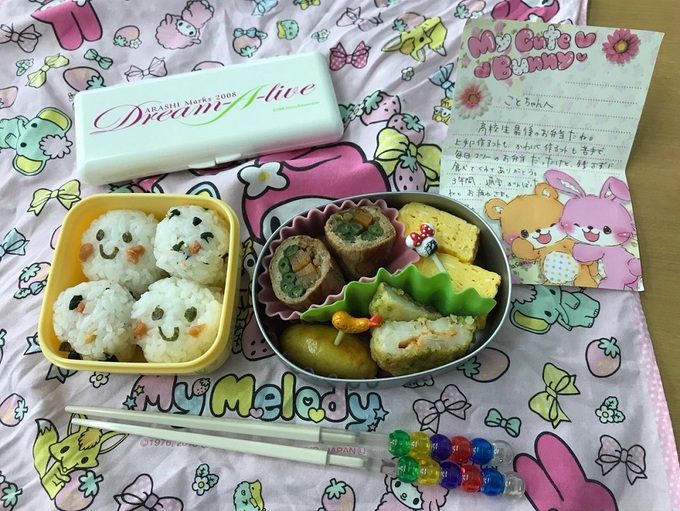 Cảm xúc của học sinh Nhật trước hộp cơm trưa cuối cùng mẹ nấu