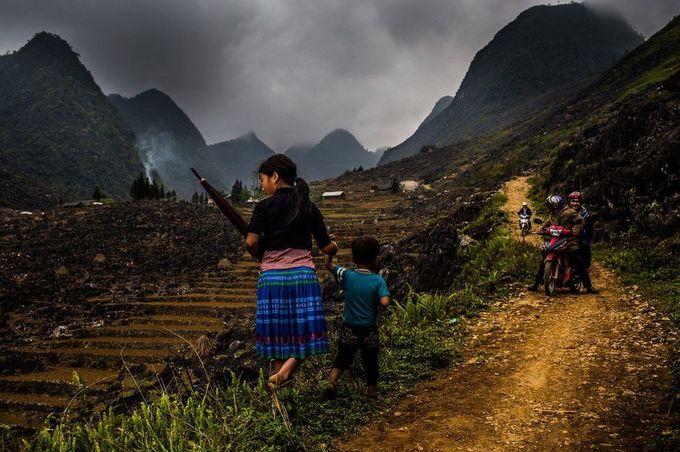 Nạn bắt cóc trẻ gái ở vùng biên giới Việt Nam lên báo Anh