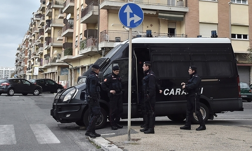 Lái xe, xả súng ở Italy, 6 người bị thương