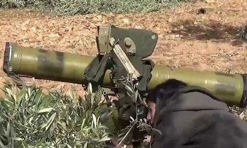 Nữ chiến binh người Kurd phóng tên lửa diệt phiến quân Syria