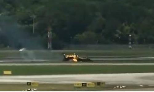 Máy bay phi đội Đại bàng Đen bốc cháy ở Singapore