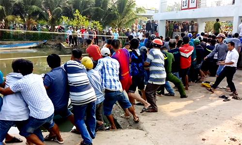 Hơn trăm người giải cứu nạn nhân bị kẹt giữa nắp cống thủy lợi