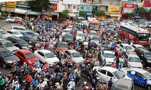 """""""Ma trận"""" kẹt xe ở Sài Gòn ngày cận Tết"""