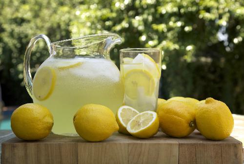 ly-do-nguoi-my-giat-minh-khi-nghe-goi-mon-lemon-juice