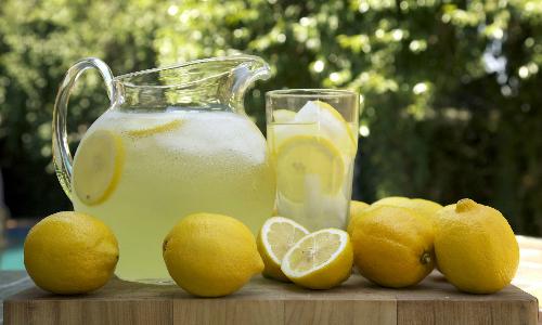 """Lý do người Mỹ giật mình khi nghe gọi món """"lemon juice"""""""