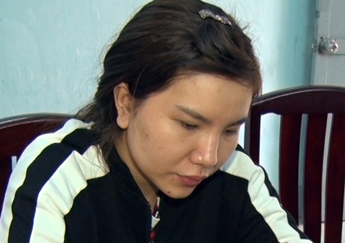Trần Thị Hồng Diễm tại cơ quan điều tra. Ảnh: Quang Bình.