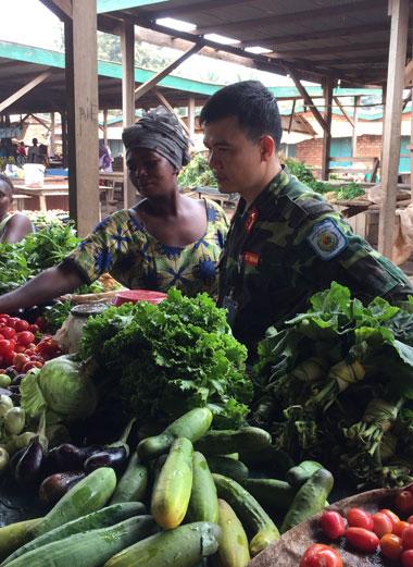 Một góc chợ ở thủ đô Bangui (Cộng hòa Trung Phi). Ảnh: P.M.