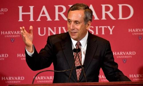 Lawrence Bacow được giới thiệu là hiệu trưởng mới của Đại học Harvard trong cuộc họp báo hôm chủ nhật. Ảnh: Getty Images