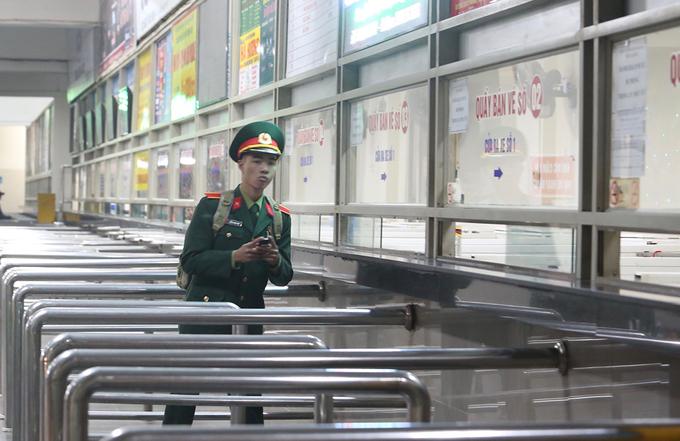 Bến xe Hà Nội vắng tanh ngày giáp Tết