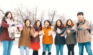 Du học sinh Việt tại Ba Lan làm video chúc Tết Mậu Tuất
