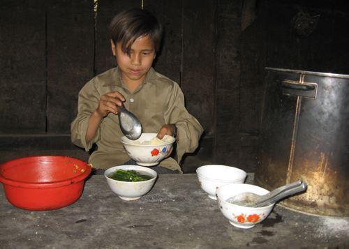 Mâm cơm mùa giáp hạt của người dân ở Bảo Lạc, Cao Bằng. Ảnh minh họa: Sơn Thủy.