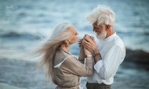 Mô tả mối quan hệ yêu đương trong tiếng Anh