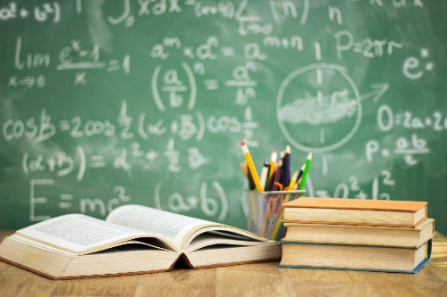 Học tập mọi lúc, mọi nơi sẽ giúp các teen không bị rơi rụng kiến thức.