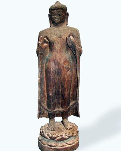 Tượng Phật Thích Ca mắt nhắm mắt mở. Ảnh: Bảo tàng Lịch sử