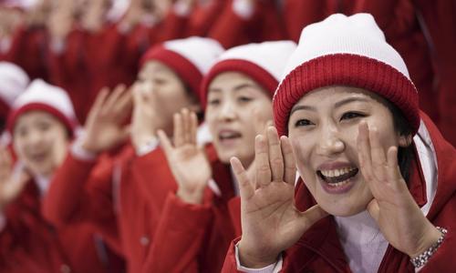 """Cách Triều Tiên huấn luyện """"đội quân mỹ nữ"""""""