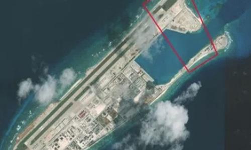 Khu vực được cho là nơi Trung Quốc đangxây dựng trung tâm liên lạc ở Đá Chữ Thậpthuộc quần đảo Trường Sa.Ảnh:CSIS.