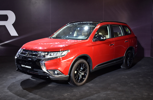 Mitsubishi Outlander bản Black Edition.