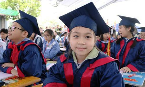 500 học sinh giỏi Hải Phòng khai bút đầu xuân
