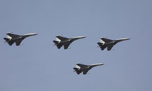 Trung Quốc tung video Su-35 phóng tên lửa, đối đầu J-20