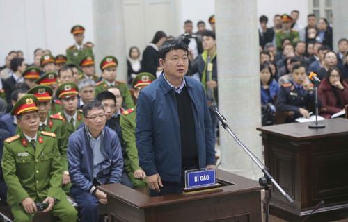 Ông Đinh La Thăng trong phiên tòa sơ thẩm vụ án sai phạm xảy ra tại PVC. Ảnh TTXVN.