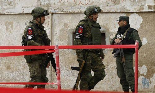 Quân cảnh Nga hộ tống đoàn xe Syria tiến vào Afrin