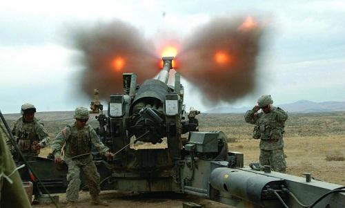 Pháo binh Mỹ khai hỏa trong một chiến dich quân sự. Ảnh: True Pundi.