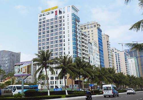 Khách sạn Lê Hoàng Beach hoạt động một năm nay nhưng chưa làm thủ tục nghiệm thu công trình. Ảnh: V.Đ.