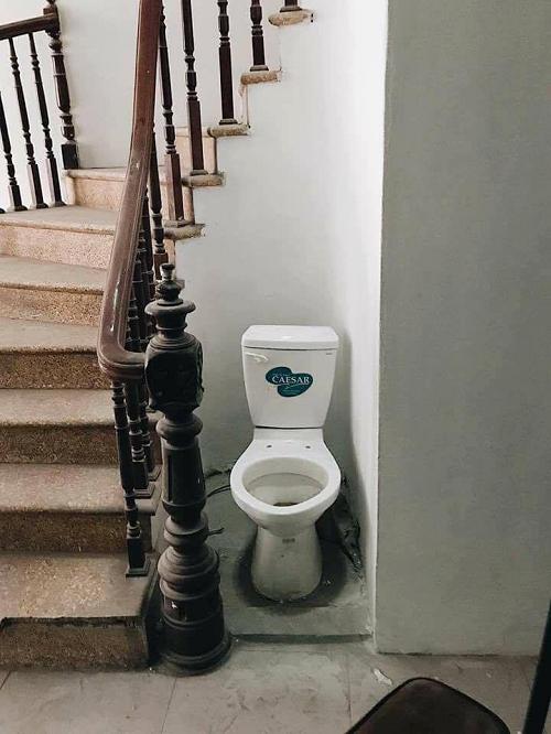 Toilet thân thiện, cởi mở.