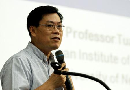 Ông Nguyễn Văn Tuấn hiện là giáo sư của Đại học Công nghệ Sydney (UTS) và Đại học Notre Dame Australia.
