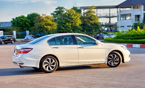Honda Accord không giảm giá đầu 2018 vì cuối 2017 đã giảm sâu. Ảnh: A.D.