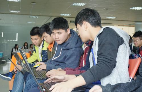 Cuộc thi Google Code-in đã được Đại học Greenwich (Việt Nam), Tổ chức Fossasia giới thiệu tại trường THPT FPT vào tháng 11/2017.Xem danh sách thí sinh đạt giảitại đây