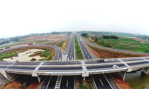 Bộ Xây dựng kêu khó làm mẫu một km đường bộ để tính suất đầu tư chung