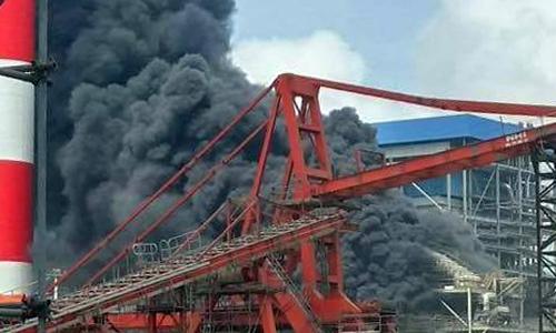 Cháy lớn tại nhiệt điện Duyên Hải 3, nhiều công nhân đu dây thoát thân