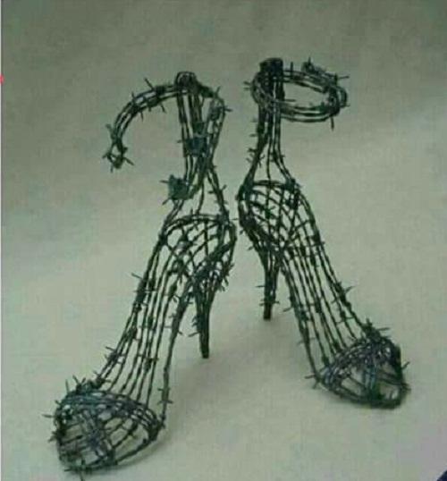 Giày cho những cô gái mạnh mẽ.