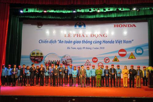 Chiến dịch An toàn giao thông cùng Honda Việt Nam diễn ra tại Hà Nam ngày 9/3.