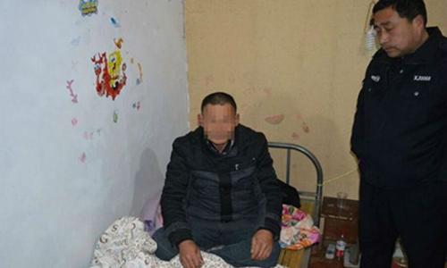 Người đàn ông Trung Quốc lẻn vào nhà trộm tiền rồi ngủ quên